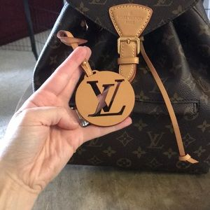 Louis Vuitton LV Charm